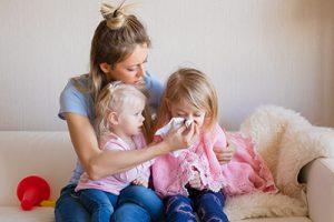 Tỷ lệ trẻ mắc bệnh hô hấp tăng cao khi giao mùa