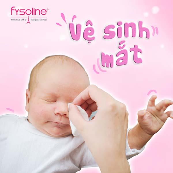 Lưu ý khi nhỏ mắt cho trẻ sơ sinh