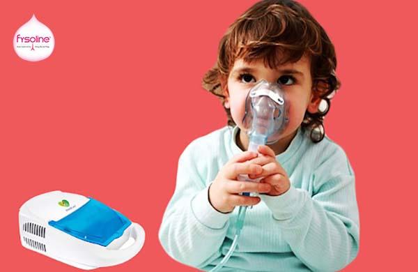 Xông mũi bằng dụng cụ khi trẻ bị ngạt mũi