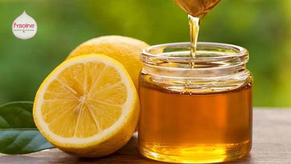 Mẹo dân gian từ chanh và mật ong trị sổ mũi