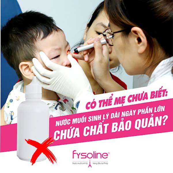 Dùng nước muối đa liều rửa mũi cho bé
