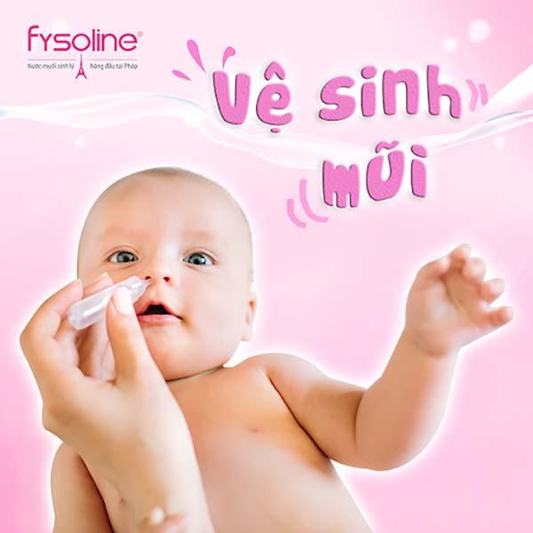 Vệ sinh mũi cho trẻ sơ sinh hàng ngày