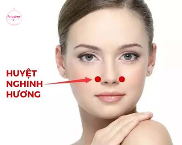 Bấm huyệt giúp điều trị viêm mũi dị ứng cho bà bầu