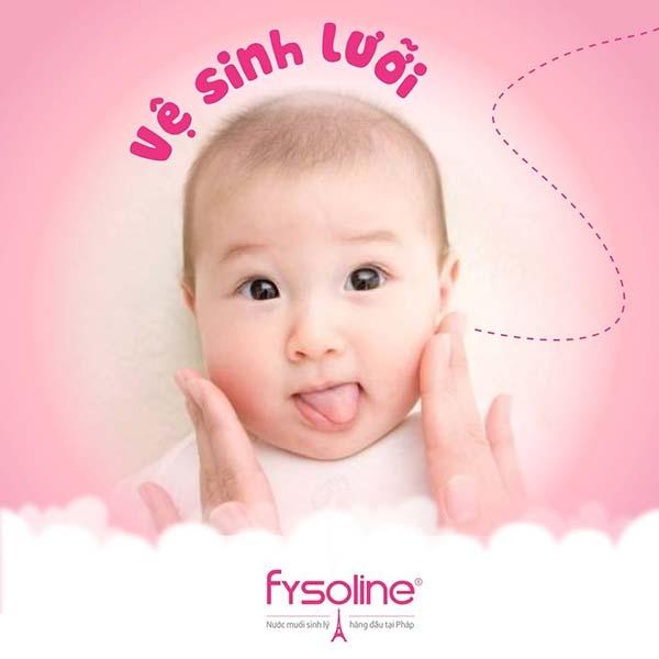 Vệ sinh lưỡi cho trẻ sơ sinh