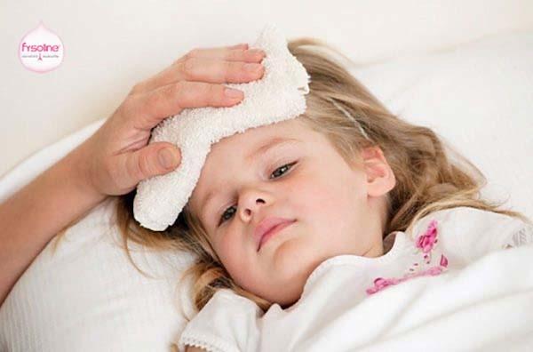 Cách ly trẻ bị cảm cúm sổ mũi với những người không bị mắc bệnh