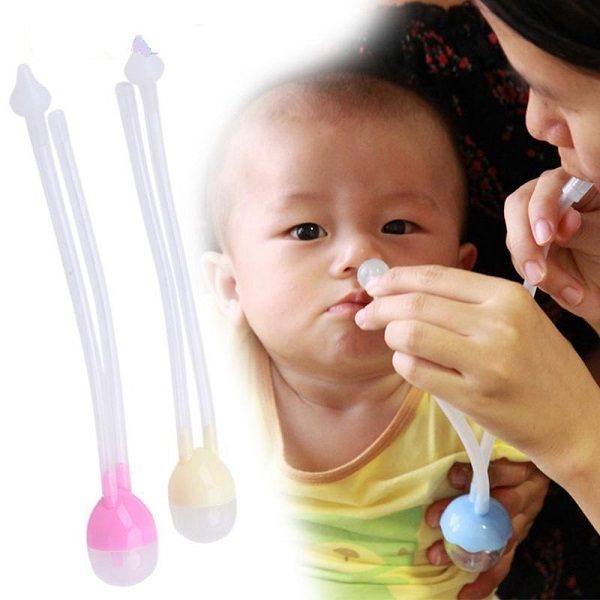 cách vệ sinh mũi cho bé bằng ống hút chữ u