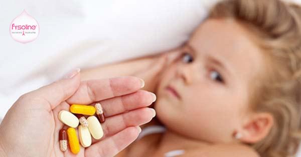 Không nên vội dùng kháng sinh cho trẻ khi bị cúm