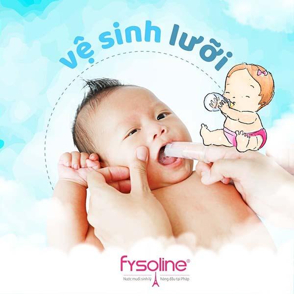 Rơ lưỡi là cách làm sạch lưỡi và phòng tránh tưa lưỡi cho trẻ sơ sinh.