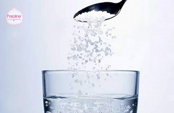 Rửa mặt bằng nước muối Iot